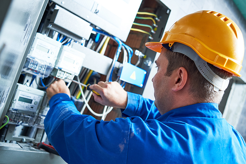 Become An Electrician in Warrington Cheshire